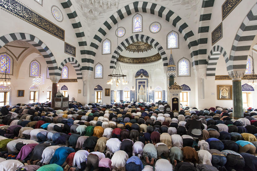Obama Moves to Protect Muslim Mosques Embroiled in Local Land Disputes